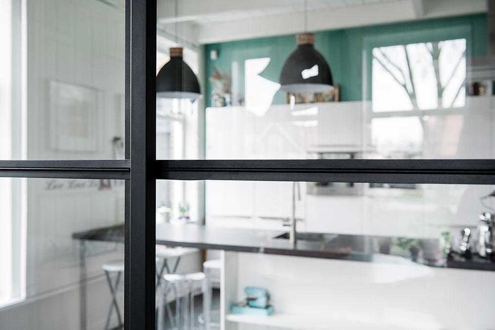 goedkope-stalen-deuren-ramen-panelen-taatsdeuren-draaideuren-schuifdeuren